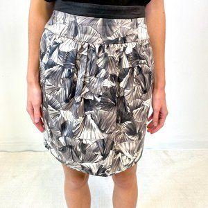 BCBGMaxAzria XS Fan Print Pencil Skirt Gray